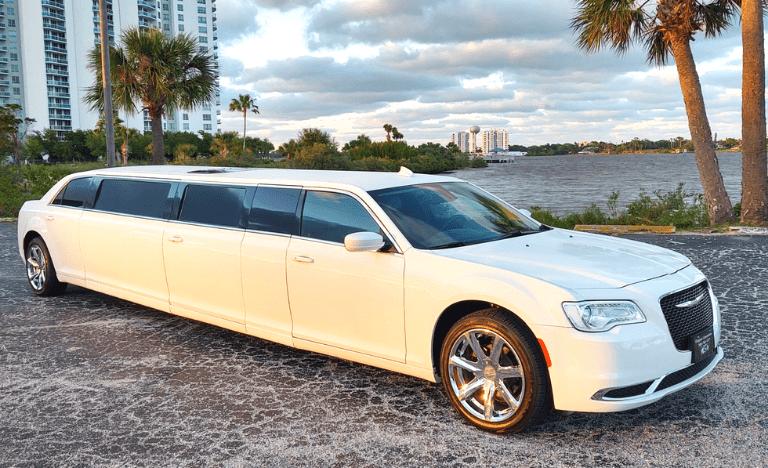 10 Passenger Chrysler Limo